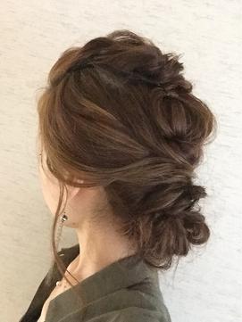 ヘアアレンジ(すっきりまとめ髪)