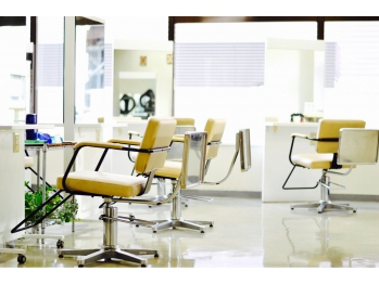 ヘアデザイニング ズーム 飯田橋店(hairdesigning Zoom)