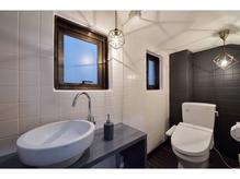 細部までこだわったゆったりとしたトイレ