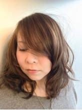 髪を守りながら染めるので色持ち&艶感◎!ダメージレスなので髪の傷みが気になる方にもオススメ☆