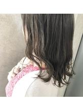 おしゃれヘア☆肌を白く見せたいなら7トーンのフォギーアッシュ.34