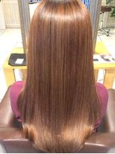 困ったくせ毛も思い通りのストレートへ!ナチュラススタイルが叶う縮毛矯正をぜひ、お試ししてみませんか?