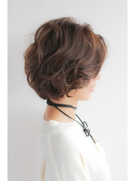 綺麗なサイドシルエット30代40代50代大人気くせ毛風ショート