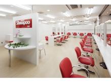 店内は広々と空間を使い、高い技術とお手頃価格で堪能できます☆