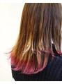 ピンク系裾カラー