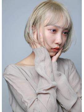 bob[ワンレングス・切りっぱなし・ホワイトブロンド2]