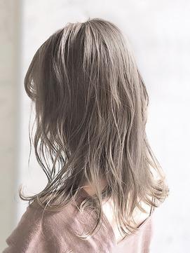 【AUBE HAIR】フォギーミルクベージュ_フリンジソフトウェーブ