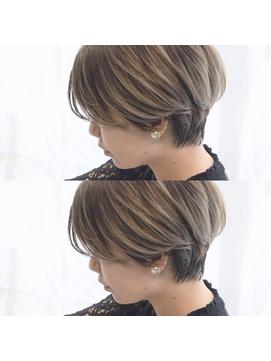 マニッシュショート  ラベージュ くすみカラー 前髪あり