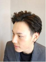 部活帰りも通える[平日夜21時まで]なりたい自分になれる!髪の悩みを魅力に変える高いデザイン性と技術力★