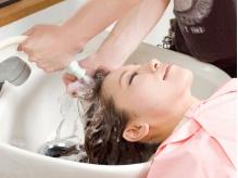 <永福町>うるうるサラサラ健康的な髪へ…炭酸泉で生まれたての素髪へ&トリートメントで内外から徹底ケア