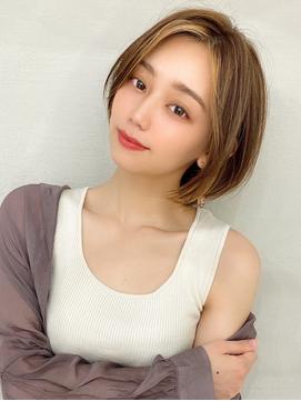 アフロート谷 韓国ショート 顔周り 小顔 前髪なし 大人っぽい