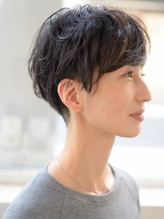【butterfly郡司泰之】40代 50代 黒髪 ゆるふわショート パーマ 40代.53