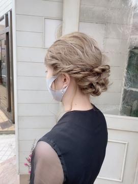 卒業式卒園式ヘアセット結婚式アレンジ編み込みメッシーバン