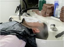 ★頭皮ケアで頑固な汚れや古い角質をスッキリ洗い流します。