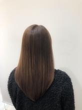 後ろ姿で魅せる!艶髪ロングスタイル.27