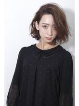 【un le pont】大人女性のワンサイドボブ×セミウエット モテ髪.21