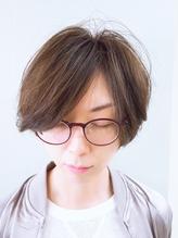 耳かけおしゃれショートカット メガネ.17