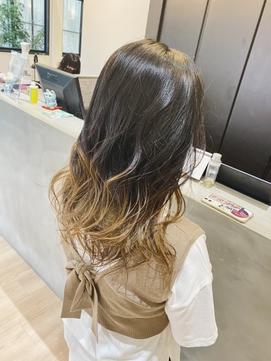 【黒髪からでもOK】オシャレなグラデーションカラー