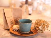 長時間施術時は、1杯1杯その場で挽くオリジナルコーヒーをご用意