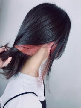 インナーカラー イヤリングカラー ピンク 黒髪 個性的