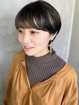 マッシュショートハイライトデザインカラー黒髪金髪