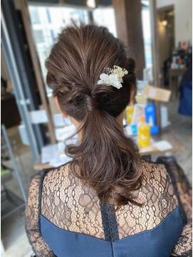 大人可愛い20代30代ポニーテール編み込み結婚式ヘアアレンジ中島