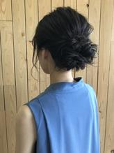 職場の後輩の結婚式に出席するヘアアレンジ.38
