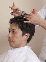 【カット¥3720/+グレイコントロール¥5880】シェービング、顔ほぐしなども受けられるのは<理容室>Yamagishi