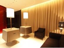 ホテルのラウンジを思わせる贅沢空間