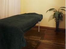清潔感あるエステ専用個室。シャワールームもあります。