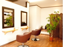 西浦和◆ゆったりと光が差し込む明るく柔らかい店内で、癒されながらきれいに…♪