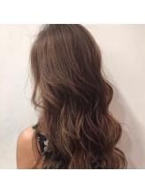 驚きの艶感と発色☆話題のイルミナで外国人のような透明感のあるカラーが叶う♪なりたい髪色はココにある