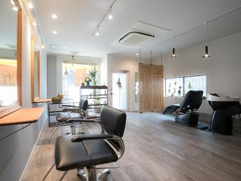 オヤ ヘア サロン(Oya hair salon)