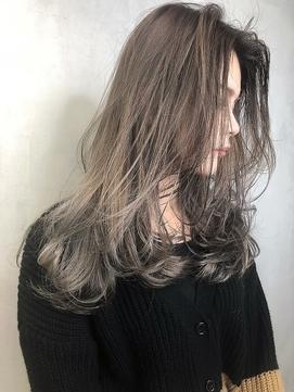 シルクベージュ_ オリーブカラーハイライトカラードレスヘア