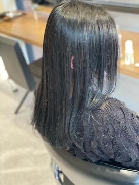 ブルーブラックのオシャレ黒髪style