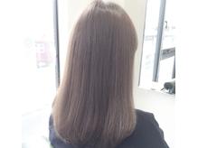 【イルミナカラー】 髪に透明感と輝きを与えてくれる。