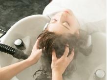 【炭酸ヘッドスパ】頭皮に優しくて安心、美しい髪を保つために頭皮ケアは必須!至福のひとときをあなたに…