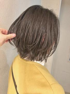 【emis】ベージュブラウンカラー レイヤーカット外ハネボブ人気