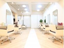 美容室 ヴィヴァーチェ 川間南口店(vivace)