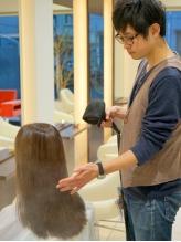 【輝髪(キラガミ)使用の縮毛矯正】ダメージレスに・時短で・自然なサラサラストレート髪を実現◎