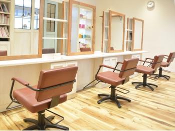 クリックヘアスタジオ エミオ店(CLiC Hair Studio)