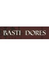 バスティードーレス(BASTI DORES)