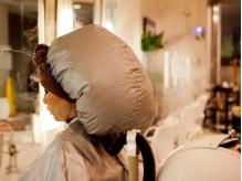 気持ち良いヘッドスパで髪も地肌もきれいに!