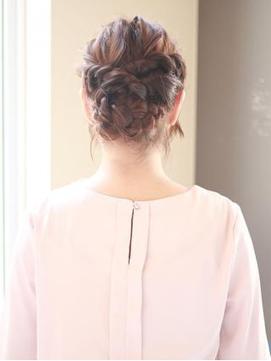 [K-two銀座]ねじり三つ編み夏のヘアアレンジ