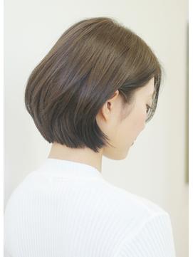 柔らかショートボブ 30代40代50代髪型