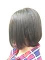 10数種類の薬剤の中から、今のあなたの髪に最適なものを厳選◎負担のかかりやすい縮毛矯正も、<atoto>のハイクオリティな技術なら、毛先まで潤う柔らかな仕上がり。ストレスフリーなツヤ髪で、朝の準備も時短に!