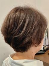 オシャレ染め感覚で楽しめるグレイカラー♪ケアにこだわるCHROME HAIRなら、ダメージレスに綺麗が長持ち!