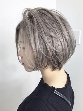 ハイトーンカラー 金髪ショート クリアカラー ベージュ系カラ