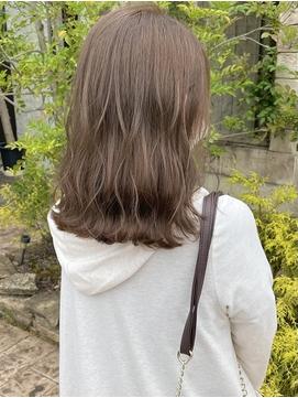 大人可愛いカーキブラウンヘア