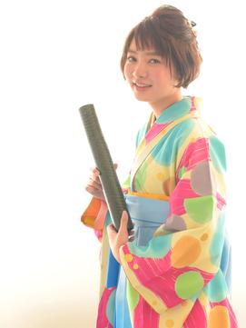 ショートでもハーフアップで袴スタイル!